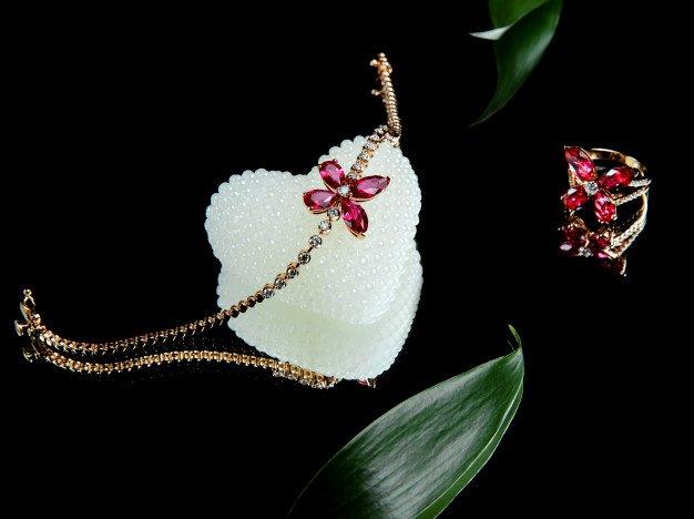 Θέλω να πουλήσω κοσμήματα: Πώς να επιλέξετε που και πως θα τα πουλήσετε